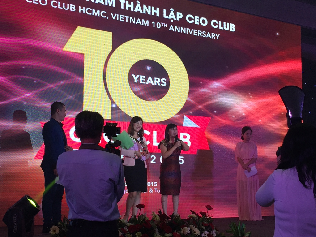 HR2B Celebrates With CEO Club 10 Years